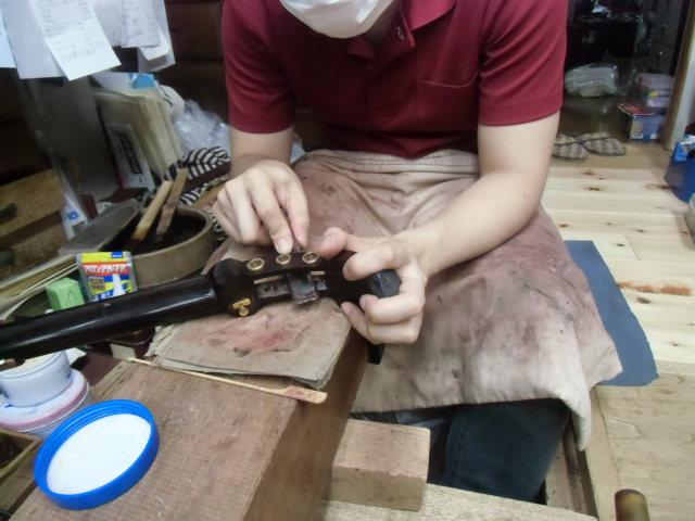 三味線修理 糸巻き取り換え